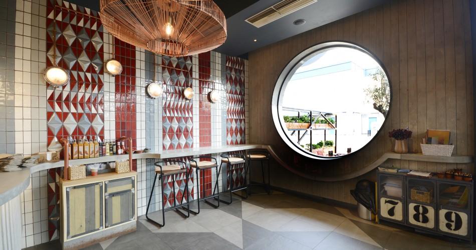 Nandos Crawley - Casa Ceramica
